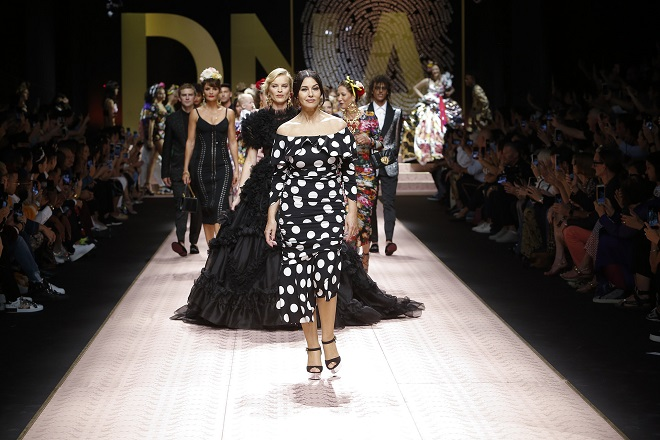 dolce-and-gabbana-summer-2019-women-fashion-show-runway-150