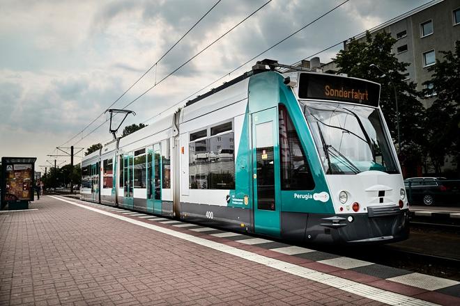 Δοκιμαστικά δρομολόγια για το πρώτο αυτόνομο τραμ του κόσμου