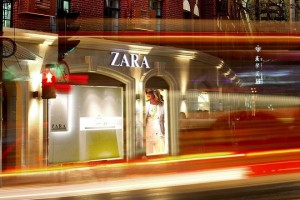 epa00680545 Undated company handout photo released Wednesday 29 March 2006 showing the Zara store in Shanghai, China. Spanish apparel retailer Industria de Diseno Textil,  commonly know as Inditex, who owns Zara, has released its annual results for 2005, announcing an increase in profit of 26% compared to 2004.  EPA/HO