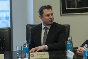 epa05675803 Tesla CEO Elon Musk attends a meeting of technology chiefs in the Trump Organization conference room at Trump Tower in New York, New York, USA, 14 December 2016.  EPA/Albin Lohr-Jones / POOL