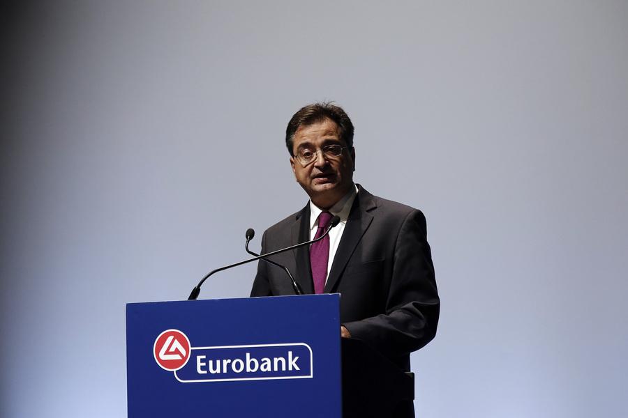 Οι δύο μεγαλύτερες προκλήσεις της Eurobank και του τραπεζικού συστήματος κατά τον CEO Φωκίωνα Καραβία