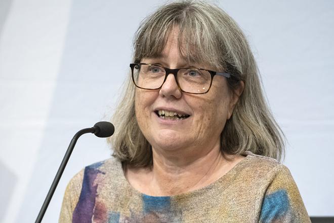 Kέρδισε το Βραβείο Νόμπελ Φυσικής αλλά είναι ακόμη αναπληρώτρια καθηγήτρια