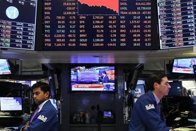 Αναταραχή στα διεθνή χρηματιστήρια – «Βουτιά» σε ΗΠΑ και Ασία