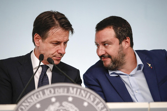 epa07095935 Italian premier Giuseppe Conte (L) with Italy's interior minister Matteo Salvini during the press conference on the fiscal maneuver at Chigi Palace, Rome, Italy, 15 October 2018. 'The idea that this maneuver wants to blow up Europe is totally unfounded, and in fact in the debate with Europe we do not talk about it' stated Italian Minister of the Economy, Giovanni Tria, in the press conference at the end of the cdm on the maneuver and the tax decree.  EPA/GIUSEPPE LAMI