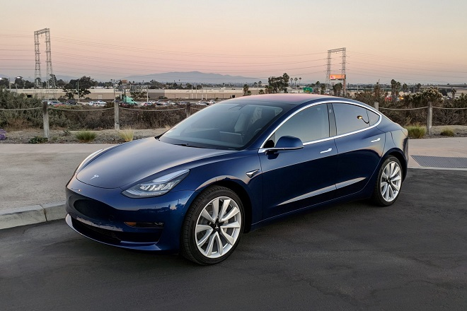 Σε κυκλοφορία το νέο Model 3 της Tesla
