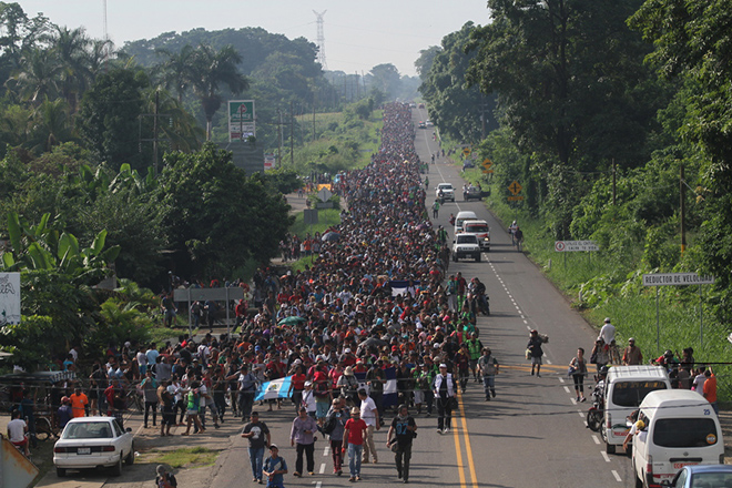 Ξεπερνά τους 7.000 ανθρώπους το «καραβάνι» των μεταναστών που κατευθύνεται στις ΗΠΑ