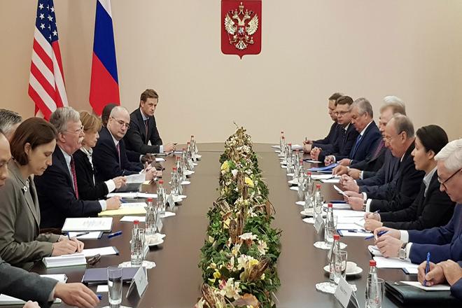 Συνομιλίες πέντε ωρών μεταξύ ΗΠΑ-Ρωσίας στον απόηχο της αποχώρησης από τη συνθήκη για τα πυρηνικά