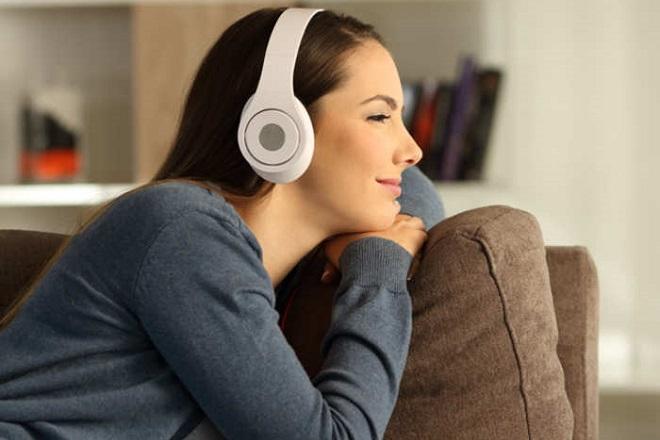 Amazon και Qualcomm φέρνουν την Alexa στα ακουστικά