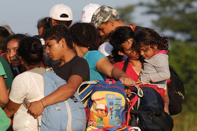 Τον στρατό θα προτάξει ο Τραμπ απέναντι στο «καραβάνι» των μεταναστών