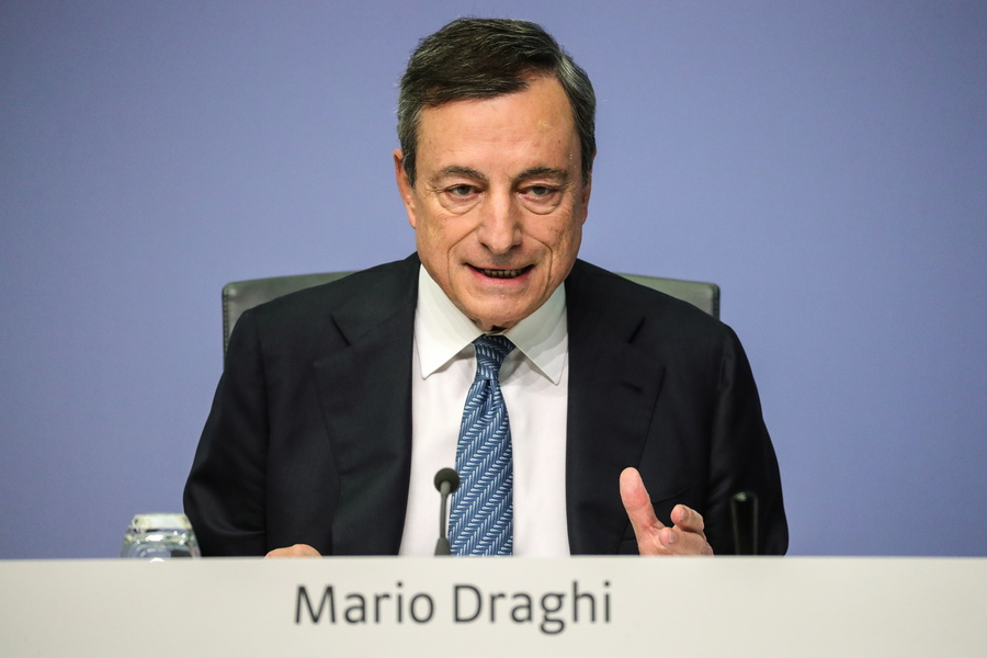 epa07118844 Mario Draghi, President of the European Central Bank (ECB), arrives for a press conference following the meeting of the Governing Council of the European Central Bank in Frankfurt Main, Germany, 25 October 2018. Draghi said that on the basis of current futures prices for oil, annual rates of headline inflation are likely to hover around the current level over the coming months. The European Central Bank has left interest rate policy on hold.  EPA/ARMANDO BABANI