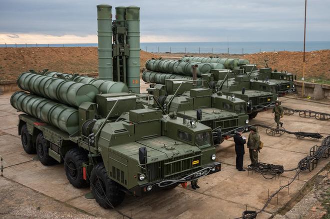 Το αμερικανικό Πεντάγωνο λέει ότι η Ρωσία θέλει να γεμίσει τον κόσμο με S400 όπως έκανε με τα Καλάσνικοφ