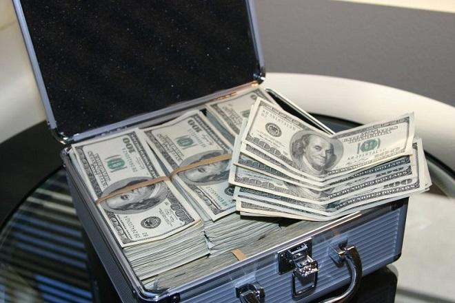 UBS: Στα 8,539 τρισ. δολάρια «έπεσε» ο πλούτος των δισεκατομμυριούχων το 2018