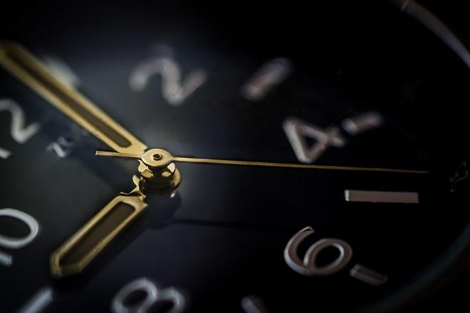 Αλλάζει η ώρα ξημερώματα Κυριακής: Γυρίζουμε τα ρολόγια μια ώρα πίσω