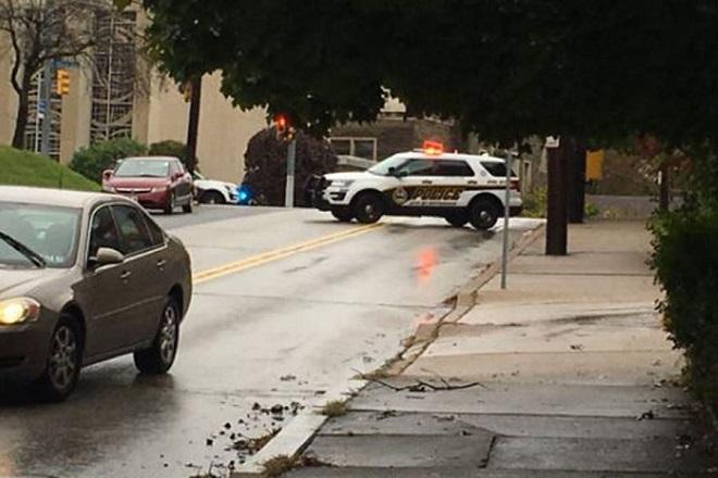 ΗΠΑ:  Συνελήφθη ο ένοπλος που άνοιξε πυρ σε συναγωγή στο Πίτσμπουργκ (φωτογραφίες – βίντεο)