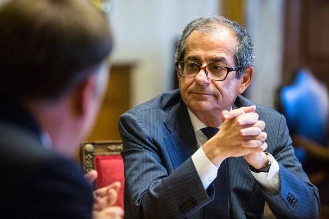 Ιταλός ΥΠΟΙΚ: Το έλλειμμά μας είναι περιορισμένο – Οι τράπεζες είναι εύρωστες