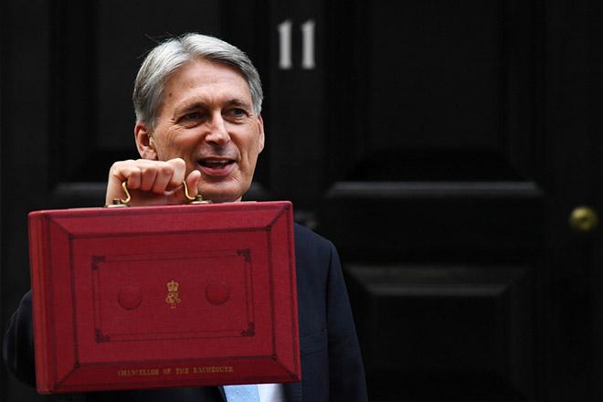 Ειδικό «χαράτσι» για τους τεχνολογικούς «γίγαντες» ετοιμάζει η Βρετανία για μετά το Brexit