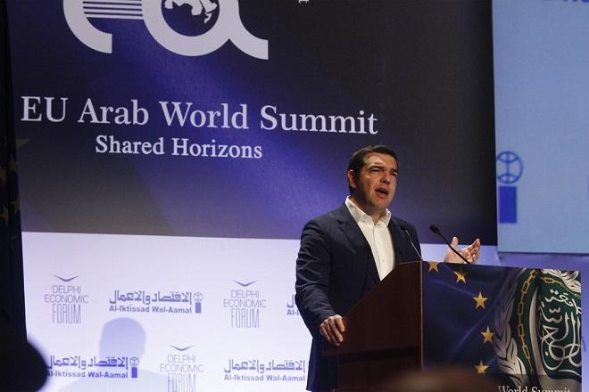 Τσίπρας (Ευρωαραβική Σύνοδος): Η Ελλάδα αφήνει τα υφεσιακά προγράμματα και καθιερώνεται ως μία δυναμική οικονομία