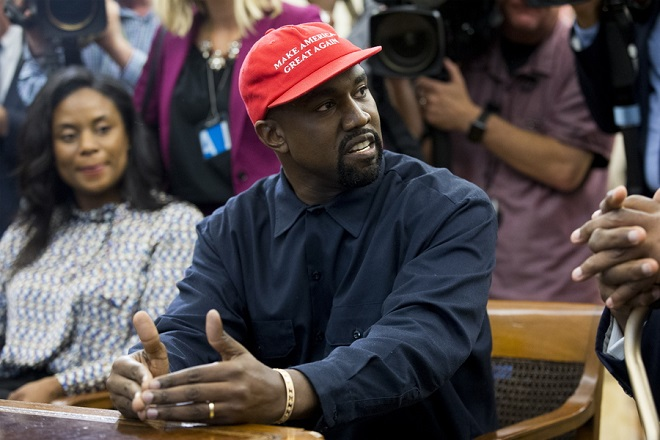 epa07086572 US entertainer Kanye West speaks during a meeting with US President Donald J. Trump in the Oval Office of the White House in Washington, DC, USA, 11 October 2018. Kanye West, who is a Trump supporter, met with the President to discuss prison reform and other issues.  EPA/MICHAEL REYNOLDS