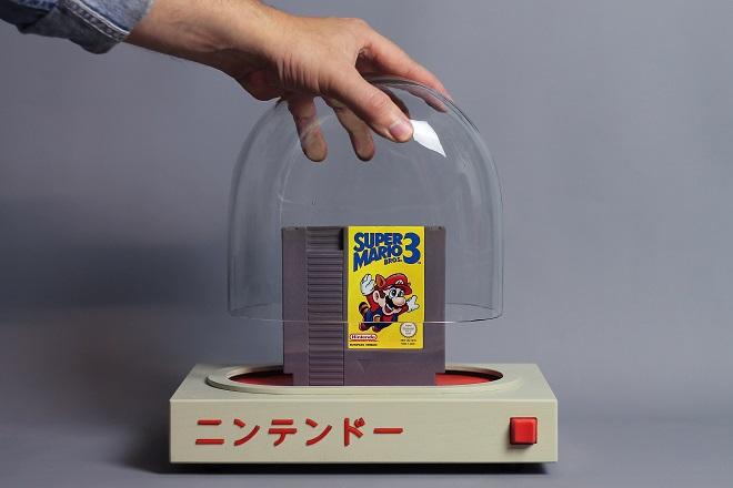 Σουηδός καλλιτέχνης αποτίει φόρο τιμή στο θρυλικό NES της Nintendo
