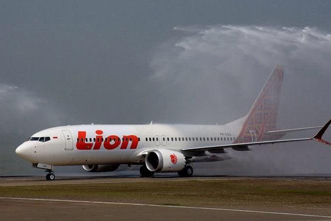 Ανασύρθηκε ένα από τα μαύρα κουτιά του Boeing που συνετρίβη στην Ινδονησία (Βίντεο)