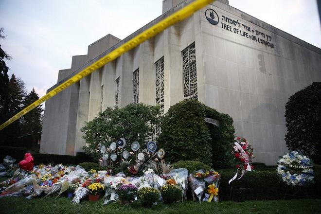 Αντιμέτωπος με 44 κατηγορίες ο δράστης της επίθεσης στο Πίτσμπουργκ
