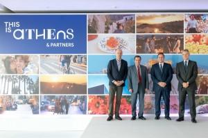 Ο Πρόεδρος του ΣΕΤΕ, Γιάννης Ρέτσος, ο Δήμαρχος Αθηναίων, Γιώργος Καμίνης, ο Πρόεδρος της AEGEAN, Ευτύχιος Βασιλάκης και ο CEO του Διεθνούς Αερολιμένα Αθηνών, Γιάννης Παράσχης.