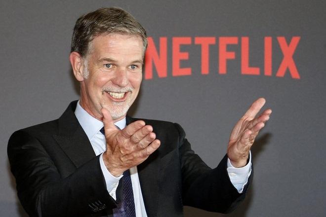 Reed Hastings: «Το Netflix δεν απειλείται από τον ανταγωνισμό από την Disney και την Amazon»