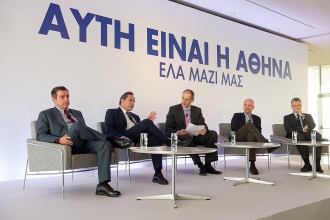Ο Δήμαρχος Αθηναίων, Γιώργος Καμίνης, ο Πρόεδρος της AEGEAN, Ευτύχιος Βασιλάκης, ο συντονιστής της συζήτησης δημοσιογράφος  Προκόπης Δούκας, ο Πρόεδρος του ΣΕΤΕ, Γιάννης Ρέτσος και ο CEO του Διεθνούς Αερολιμένα Αθηνών, Γιάννης Παράσχης.