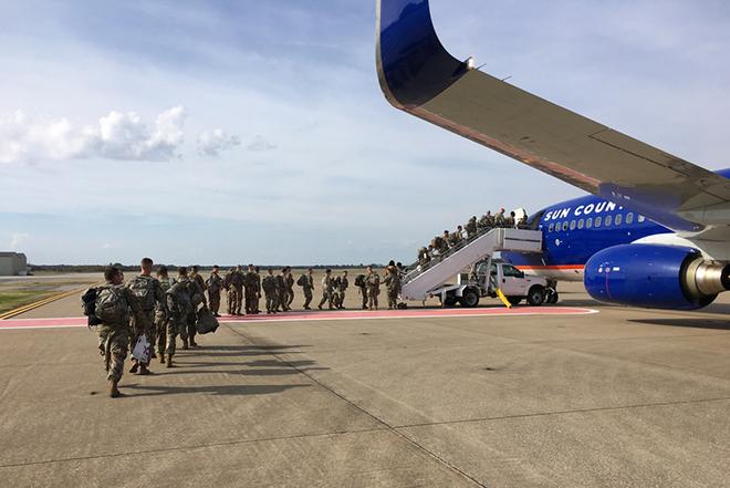 Ο Τραμπ στέλνει πάνω από 7.000 στρατιώτες στα σύνορα με το Μεξικό
