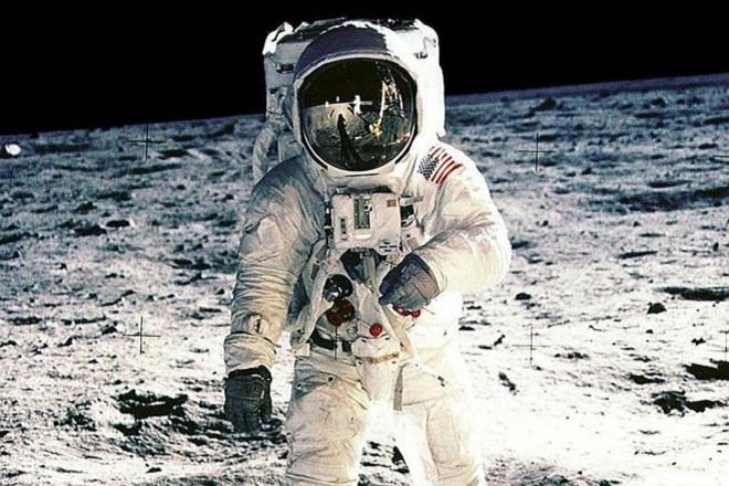Οι νέοι στόχοι της NASA: Αποστολές αστροναυτών στη Σελήνη το 2024 και στον Άρη το 2033