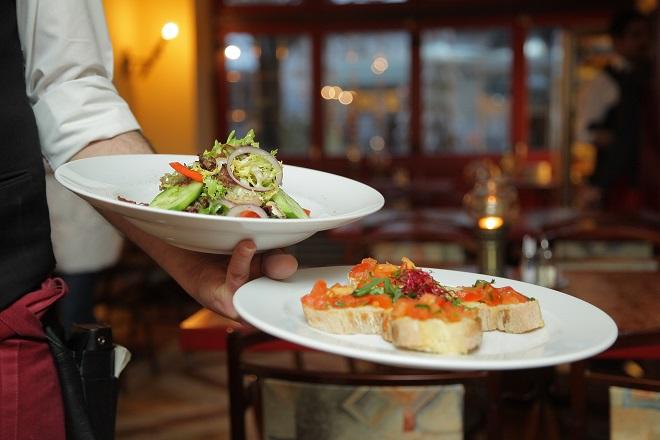 Σύστημα τεχνητής νοημοσύνης της Google βρίσκει τα εστιατόρια όπου μπορεί να πάθετε τροφική δηλητηρίαση