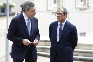 epa06827170 President of the European Central Bank (ECB) Mario Draghi (L) and Italian Finance Minister Giovanni Tria (R), during a meeting for the 20th anniversary of Eurogroup at Castle of Senningen in Luxembourg, 21 June 2018. The Eurogroup will assess the progress achieved by Greece in implementing the prior actions required under the fourth (and the final) review of its programme.  EPA/JULIEN WARNAND
