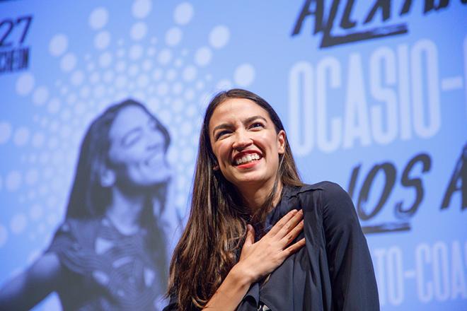 Η ζωή της Αλεξάντρια Οκάσιο-Κορτές έγινε ντοκιμαντέρστο Netflix (Βίντεο)