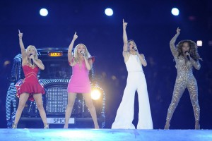 epa07143937 (FILE) - The Spice Girls with (L-R) Victoria Beckham, Geri Halliwell, Emma Bunton, Melanie Chisholm, Melanie Brown perform during the Closing Ceremony of the London 2012 Olympic Games at the Olympic Stadium, London, Britain, 12 August 2012 (reissued 06 November 2018) According to media reports on 06 November 2018, the Spice Girls announced that they will reunite and tour Britain in June 2019. Victoria Beckham, also known as Posh Spice, is not expected to join the tour.  EPA/MARIUS BECKER  GERMANY OUT