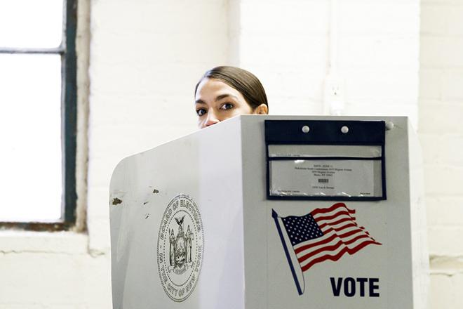 Αλεξάντρια Οκάσιο-Κόρτες: Η νεότερη βουλευτής στην ιστορία των ΗΠΑ που δεν μπορεί να πληρώσει το ενοίκιό της