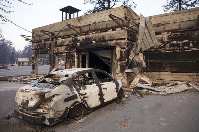 Στους 56 ανήλθε ο αριθμός των νεκρών από τις πυρκαγιές στην Καλιφόρνια – 100 ακόμη αγνοούνται