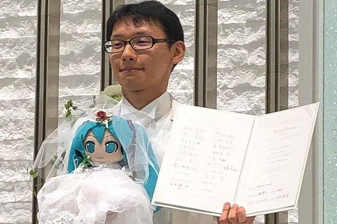 hatsune-mikyu-akihiko-kondo-2