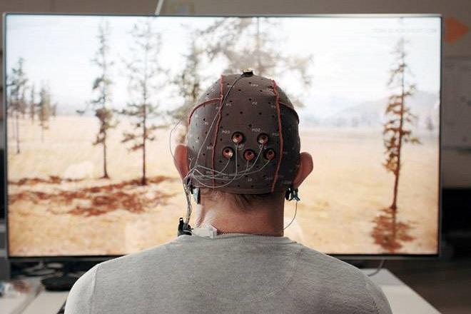 Η Samsung ετοιμάζει το πρώτο εγκεφαλικό… τηλεκοντρόλ