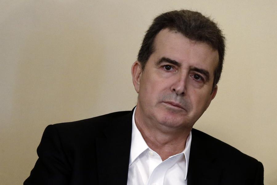 Χρυσοχοΐδης: «Ας ανοίξουν όσους λογαριασμούς θέλουν»