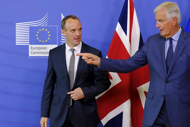 Απανωτές παραιτήσεις Βρετανών υπουργών – Σε δεινή θέση η Τερέζα Μέι για το Brexit
