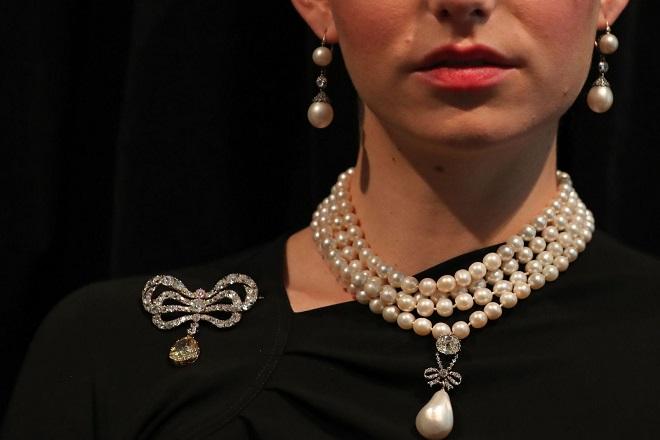 Στα 43 εκατ. δολάρια πωλήθηκαν κοσμήματα της Μαρίας Αντουανέτας