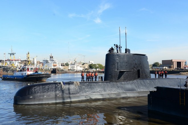 epa06336020 An undated handout photo made available by the Argentine Navy on 17 November 2017 shows the ARA San Juan submarine. The Argentine Navy said it has lost contact with the the submarine off the country's southern coast. The submarine with a crew of 44 has not made contact in 48 hours.  Navy ships and aircraft are searching the area of last known location.  EPA/ARGENTINA NAVY HANDOUT  HANDOUT EDITORIAL USE ONLY/NO SALES