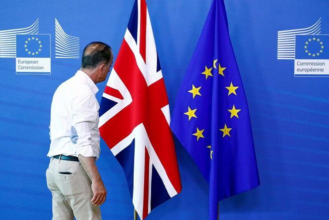 Άρχισε μια ύστατη «κοπιαστική» εβδομάδα διαπραγματεύσεων για το Brexit