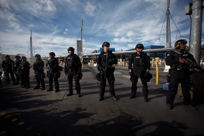 Οι ΗΠΑ σταμάτησαν να εξετάζουν αιτήματα ασύλου σε όσους φτάνουν στα σύνορα μέσω Μεξικού
