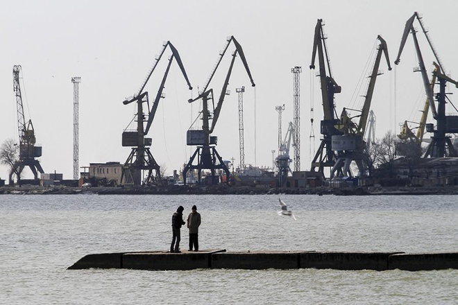 Κριμαία: Η Μόσχα απέκοψε την πρόσβαση στην Θάλασσα του Αζόφ σε ουκρανικά πλοία