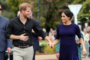 epa07132360 Prince Harry, Duke of Sussex and Meghan, Duchess of Sussex arrive at the public walkabout at the Rotorua Government Gardens in Rotorua, New Zealand, 31 October 2018. The Duke and Duchess of Sussex are on their official 16-day Autumn tour visiting cities in Australia, Fiji, Tonga and New Zealand.  EPA/MICHAEL BRADLEY / POOL AUSTRALIA AND NEW ZEALAND OUT