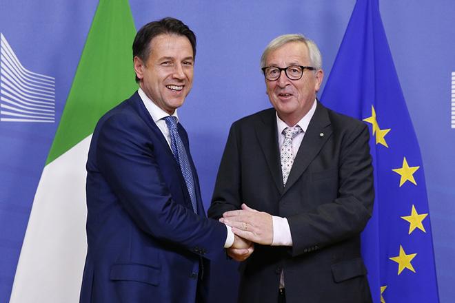 Συνάντηση Γιούνκερ-Κόντε: Συμφώνησαν ότι διαφωνούν για τον ιταλικό προϋπολογισμό