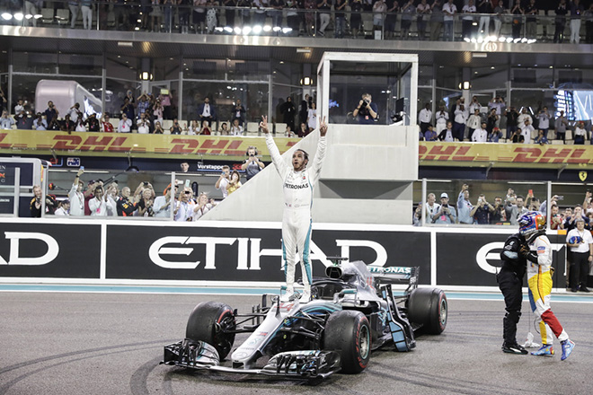 Πρωταθλητής για πέμπτη φορά στη Formula 1 ο Λιούις Χάμιλτον – Νίκη και στον τελευταίο αγώνα της σεζόν