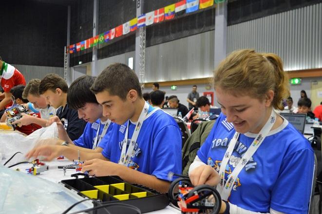 Δύο ελληνικές ομάδες ήρθαν τέταρτες στην Ολυμπιάδα Εκπαιδευτικής Ρομποτικής