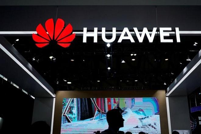 Smartphone με το δικό της λειτουργικό σύστημα δοκιμάζει η Huawei